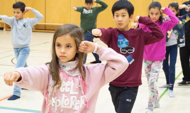 Tai Chi Unterricht in der Grundschule